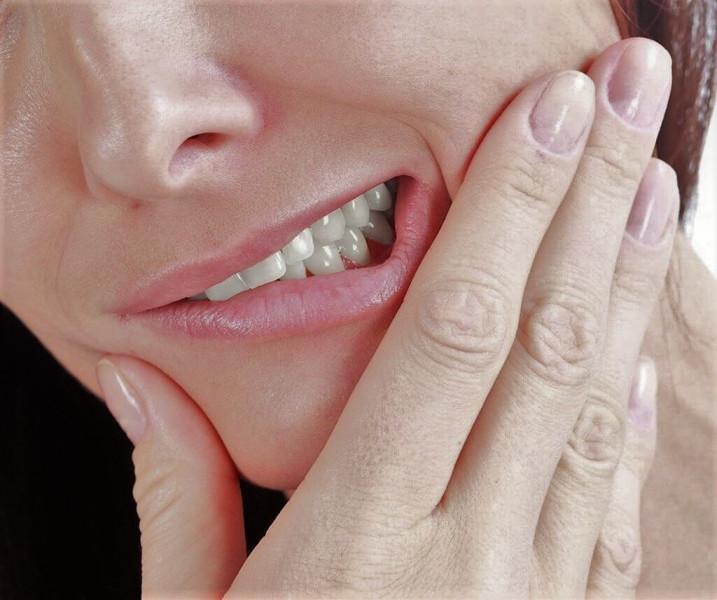 Картинка анонса статьи Почему человек скрипит зубами во сне?