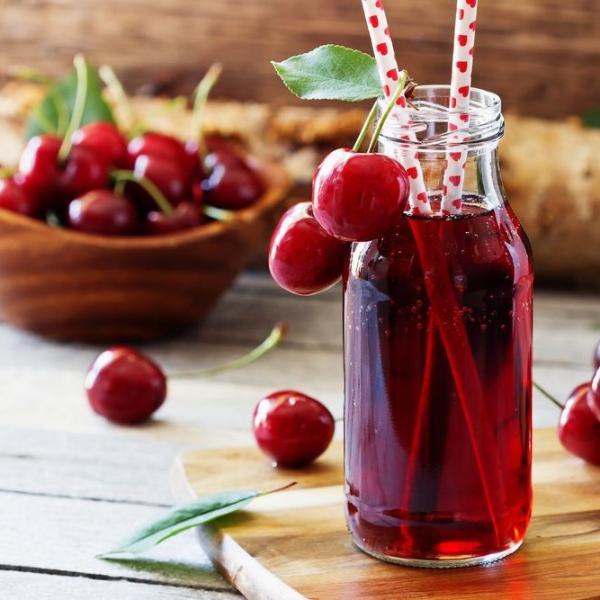 Картинка анонса новости Вишневый сок назвали идеальным напитком для здоровья пожилых