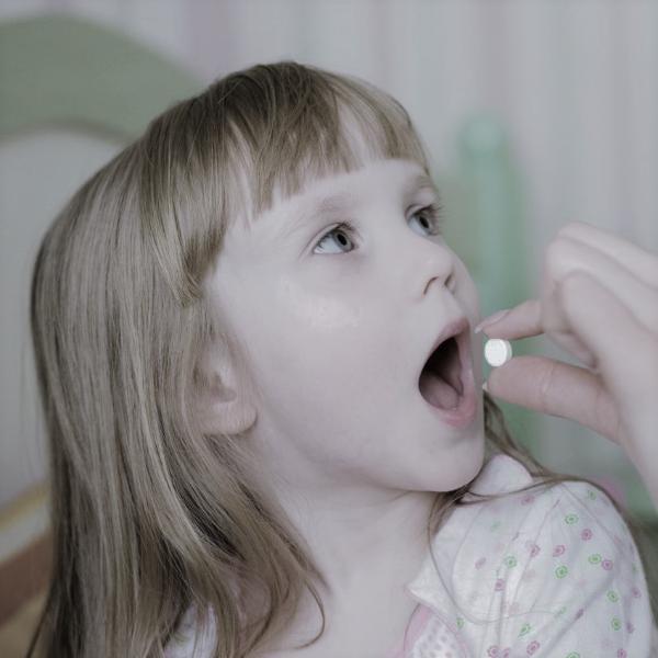 Картинка анонса статьи Почему детям нельзя аспирин, даже при сильной температуре