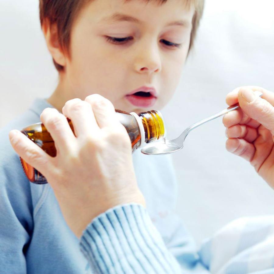 Картинка анонса статьи Лечение кашля у детей и причины высокой температуры