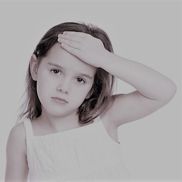 Картинка анонса новости Раннее половое созревание у девочек может стать причиной мигреней